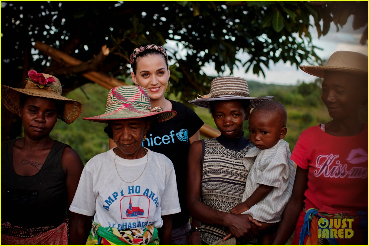 katy perry madagascar visit for unicef 042845523