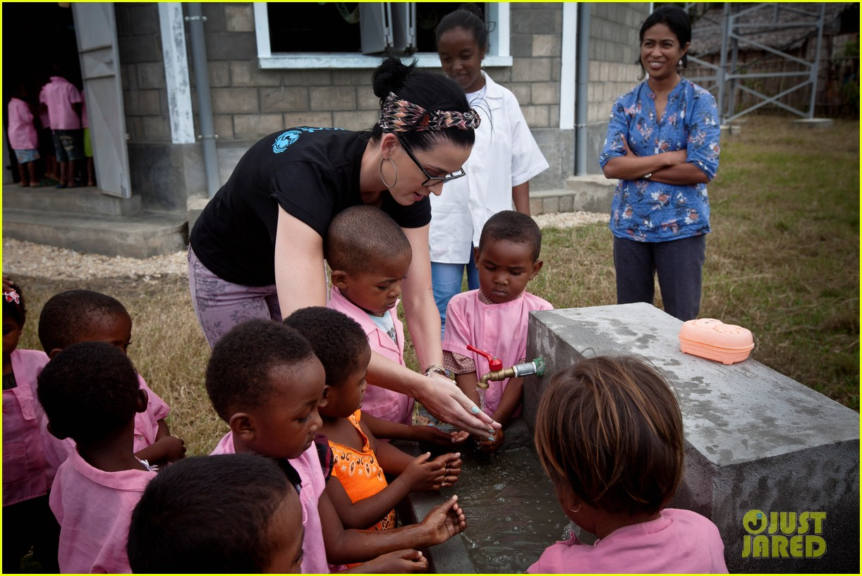 katy perry madagascar visit for unicef 062845525