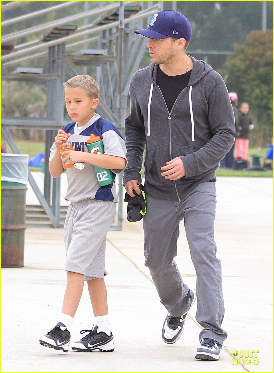 ryan phillippe cowboys soccer game with deacon 032849720