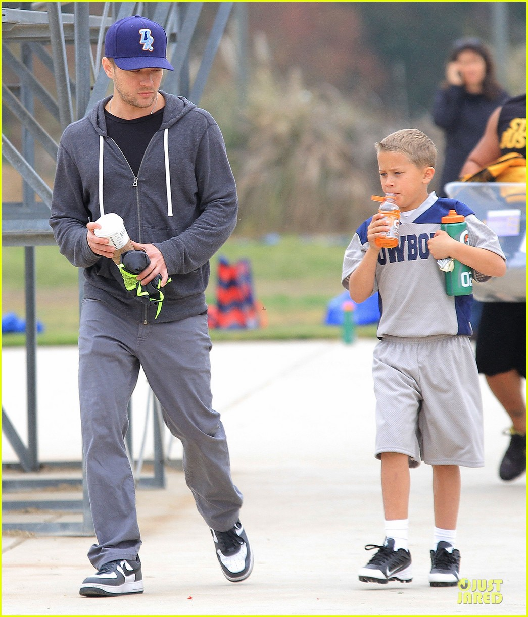 ryan phillippe cowboys soccer game with deacon 092849726