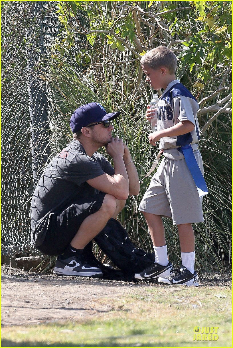 ryan phillippe deacon football game supporter 032854179