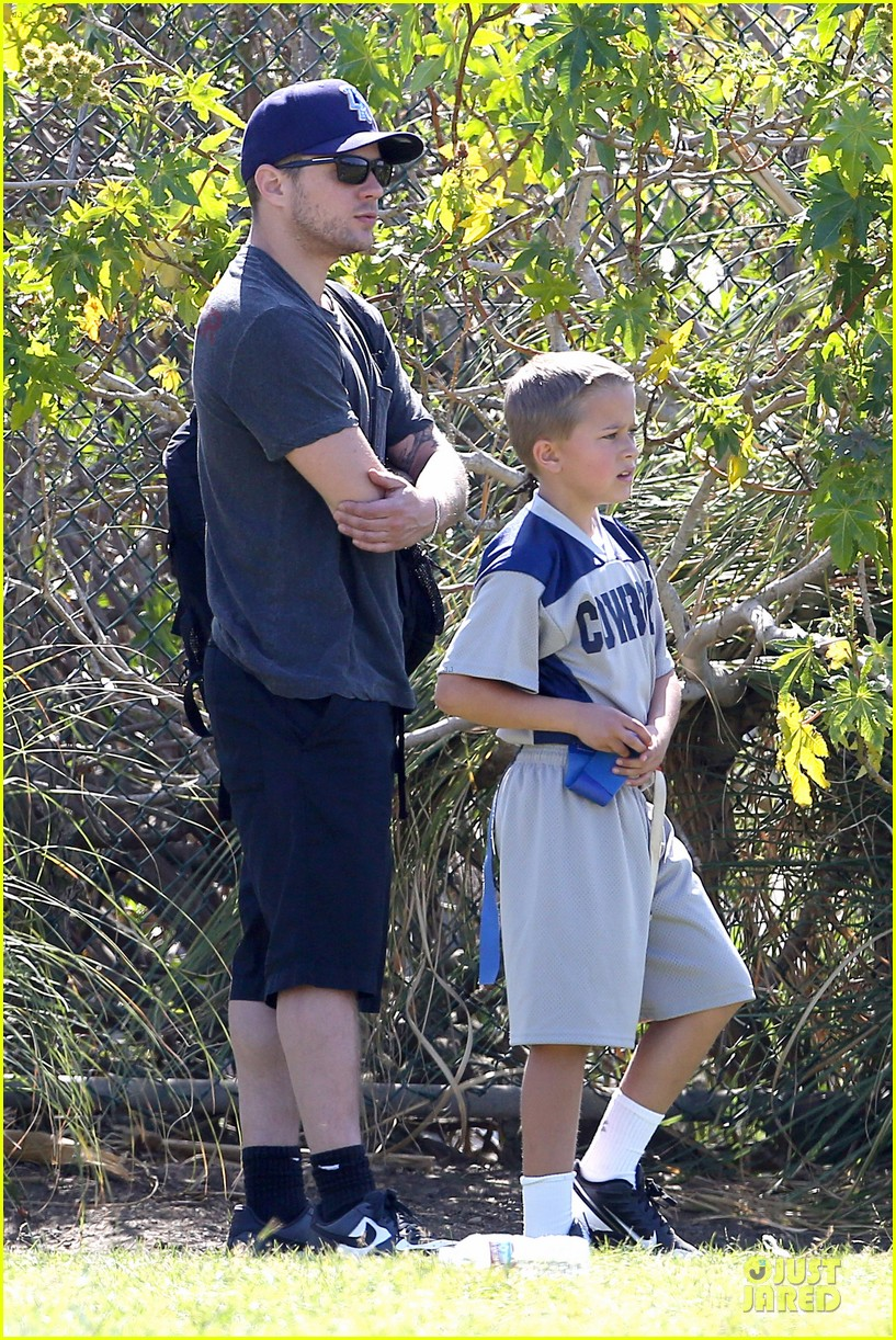 ryan phillippe deacon football game supporter 092854185