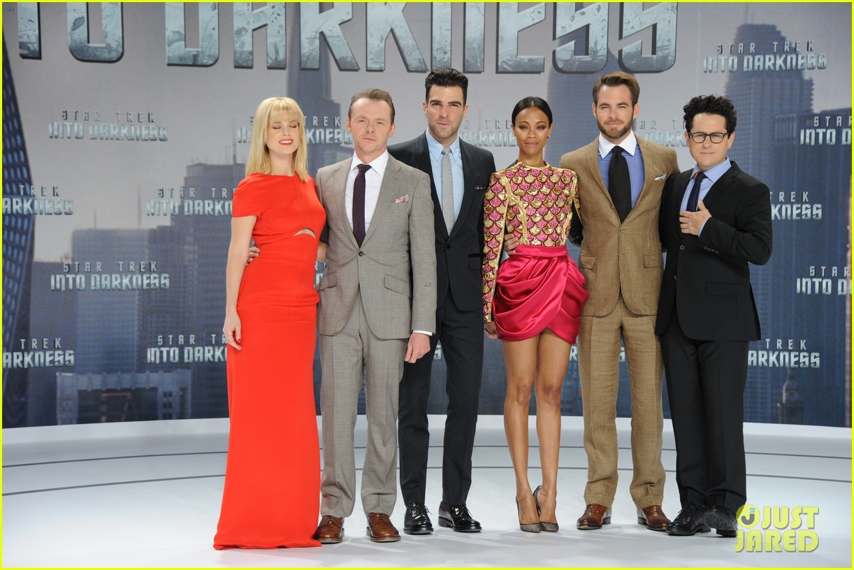 chris pine zoe saldana star trek into darkness in berlin 032860715