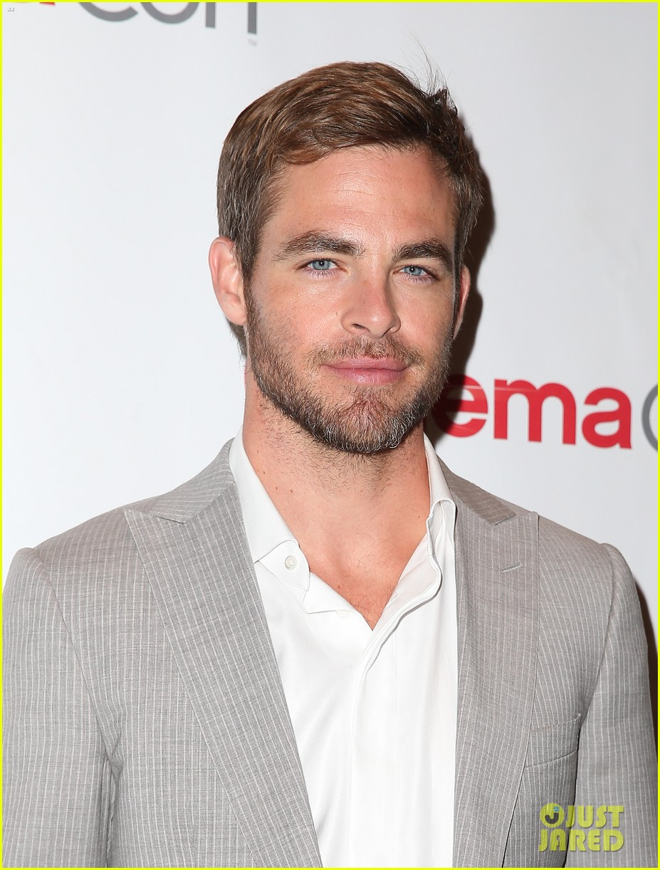 chris pine zachary quinto star trek at cinemacon 2013 192851186