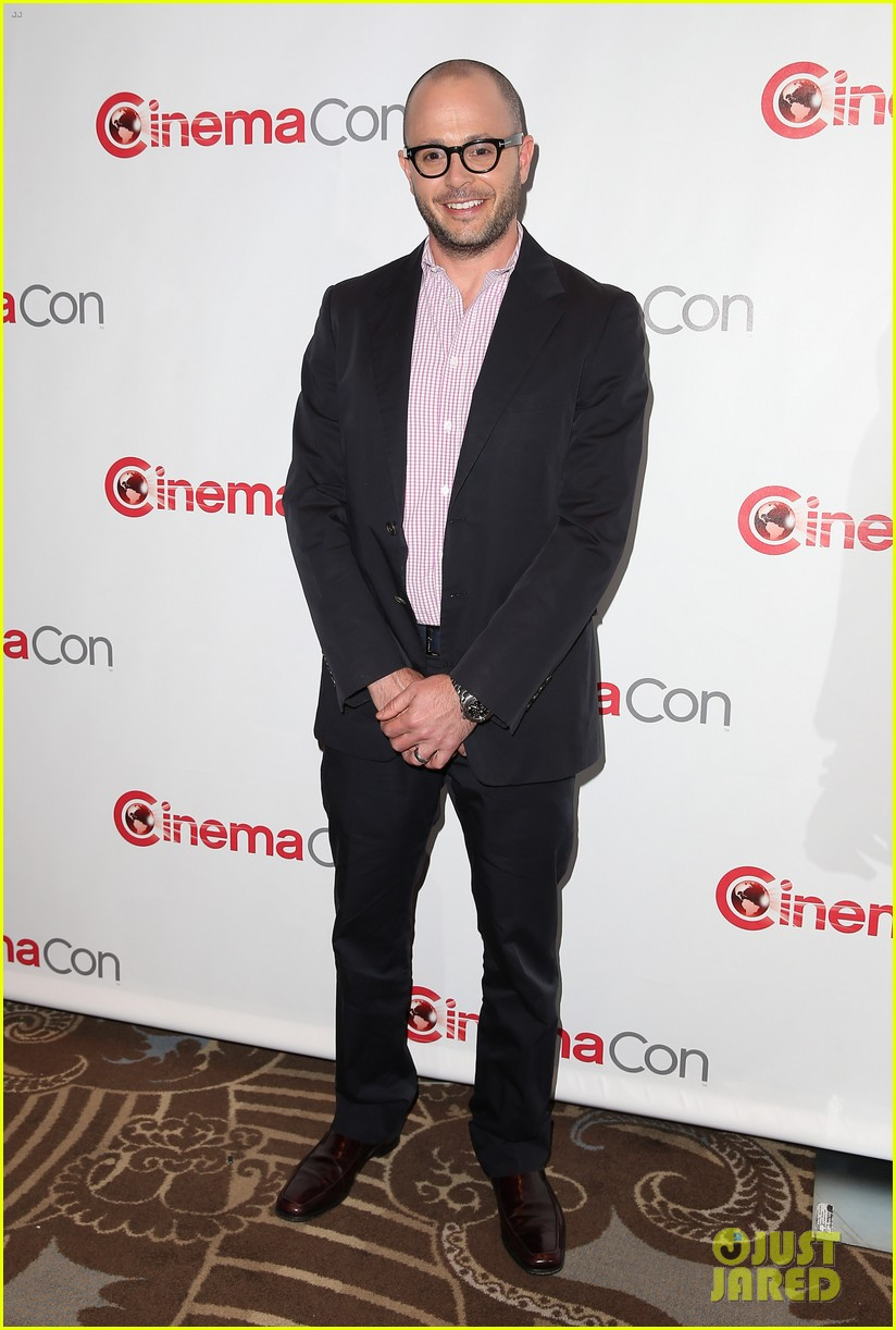chris pine zachary quinto star trek at cinemacon 2013 202851187