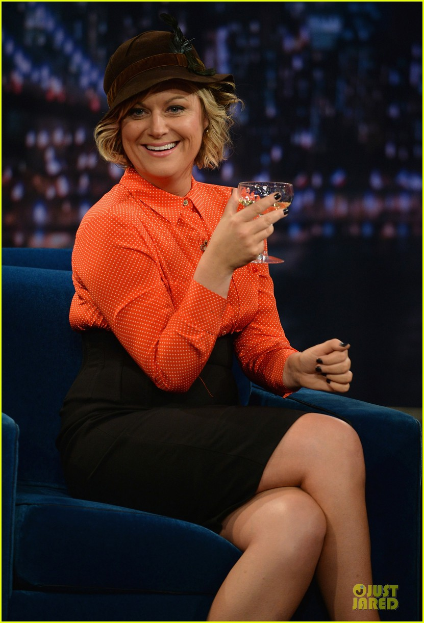 amy poehler michael buble chicken eers on fallon 022859078
