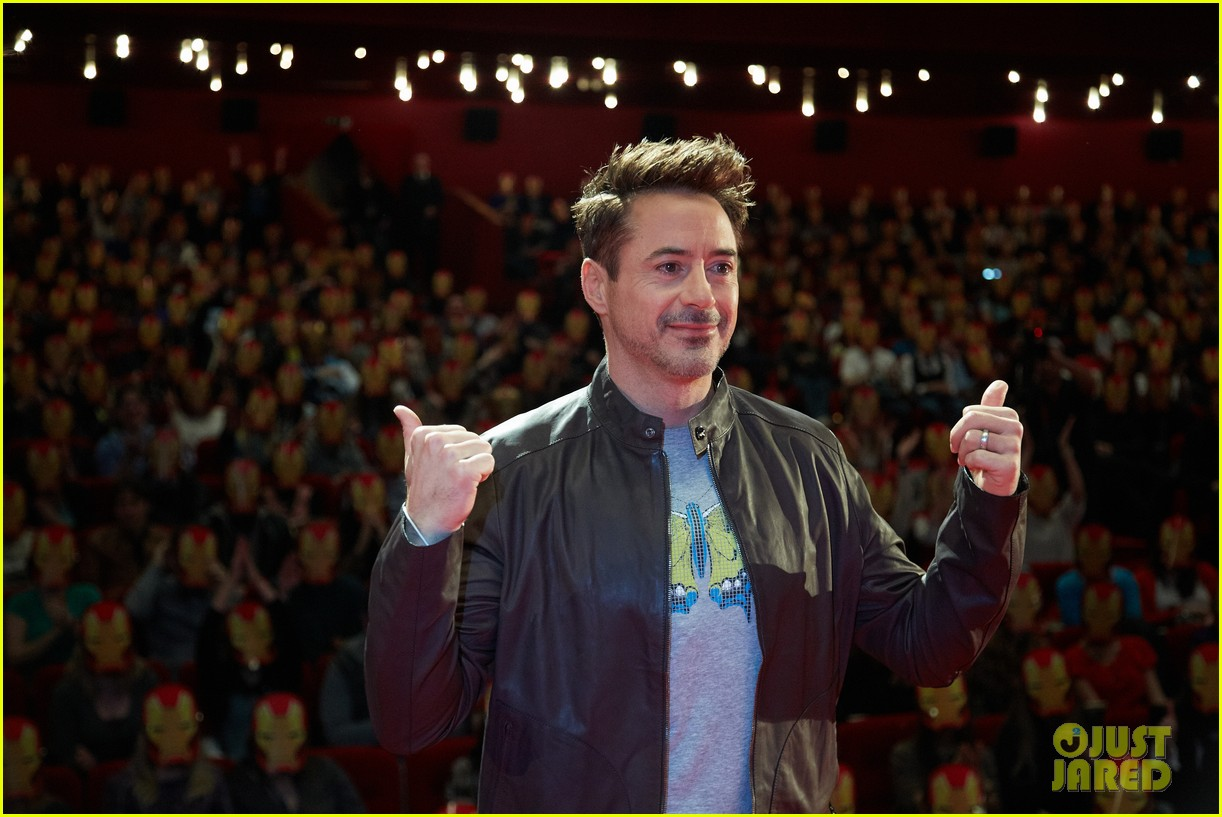 robert downey jr iron man 3 premiere press conference 07