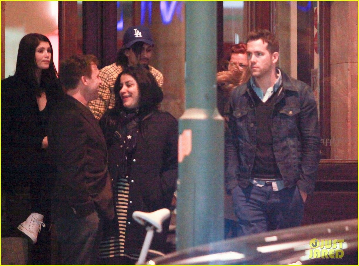ryan reynolds berlin dinner with gemma arterton 162855703