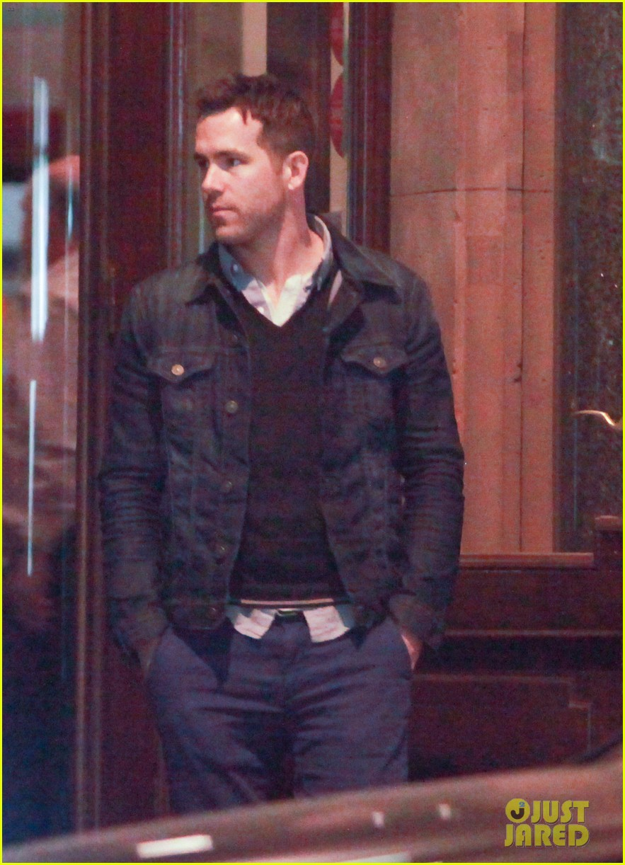 ryan reynolds berlin dinner with gemma arterton 192855706