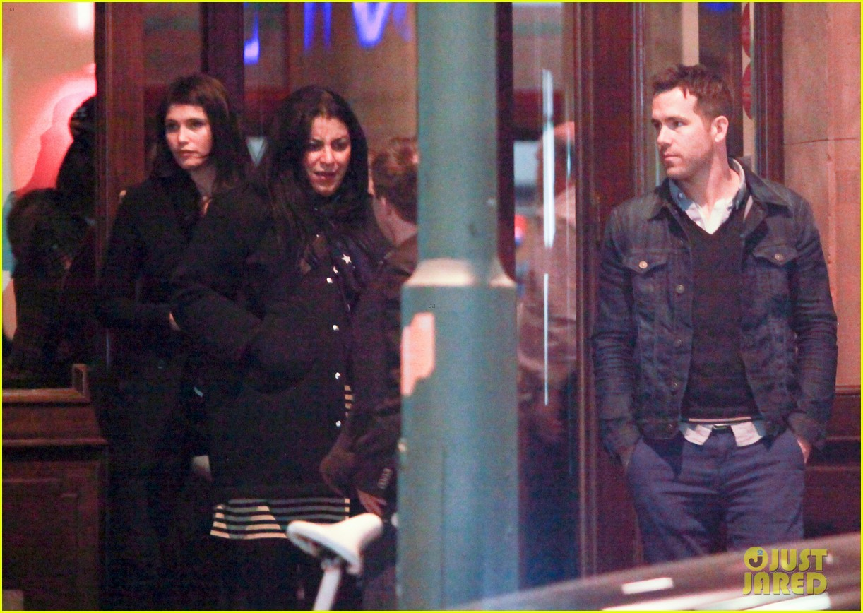 ryan reynolds berlin dinner with gemma arterton 232855710
