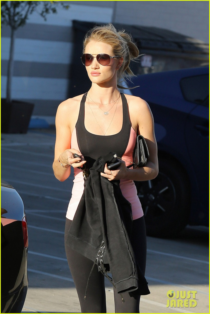 rosie huntington whiteley works out jason statham films heat 242846839