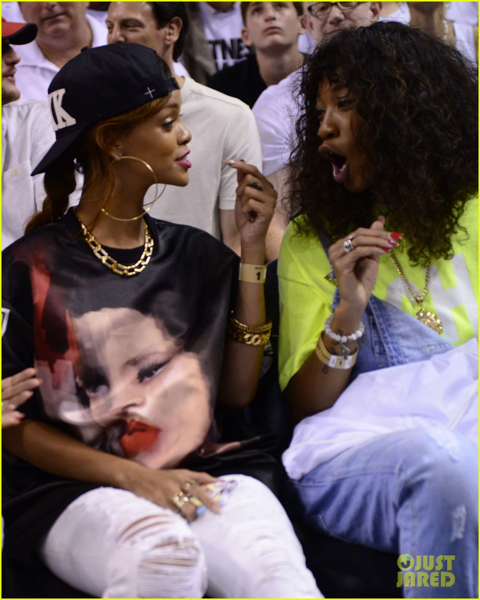 rihanna miami heat game night 042855482