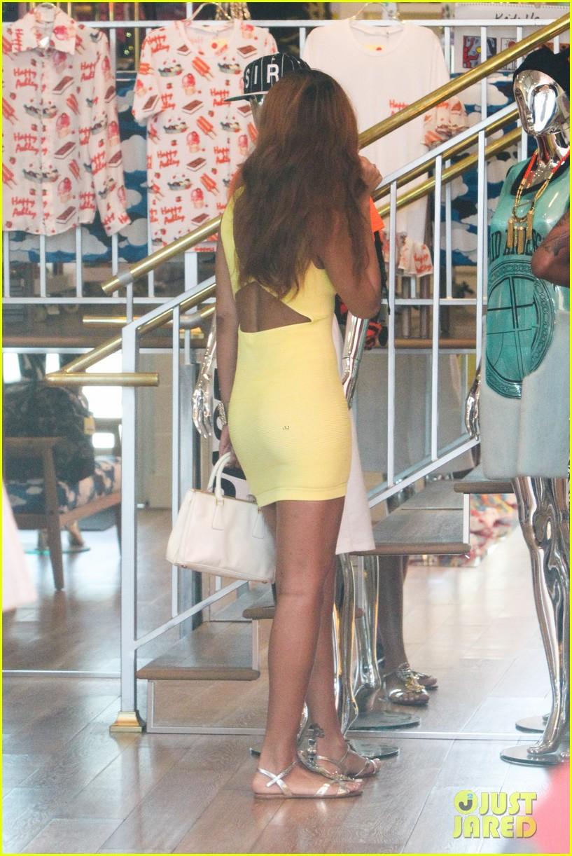 rihanna chris brown wild style shoppers 082847482