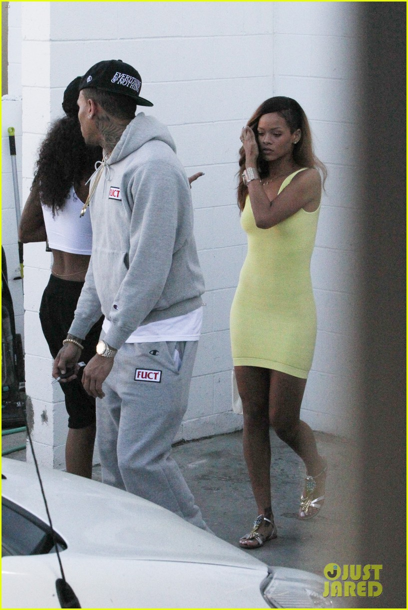 rihanna chris brown wild style shoppers 122847486