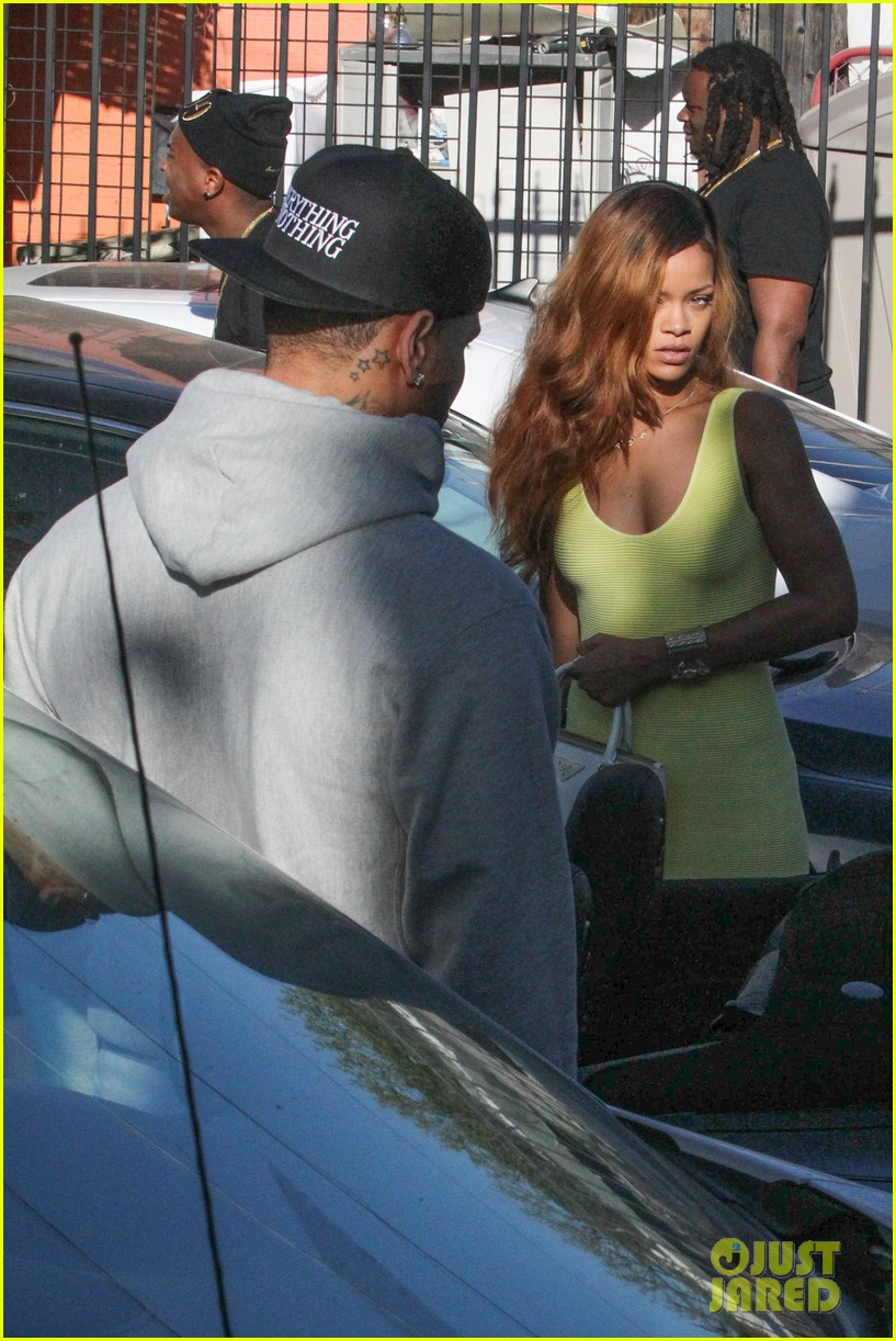 rihanna chris brown wild style shoppers 152847489