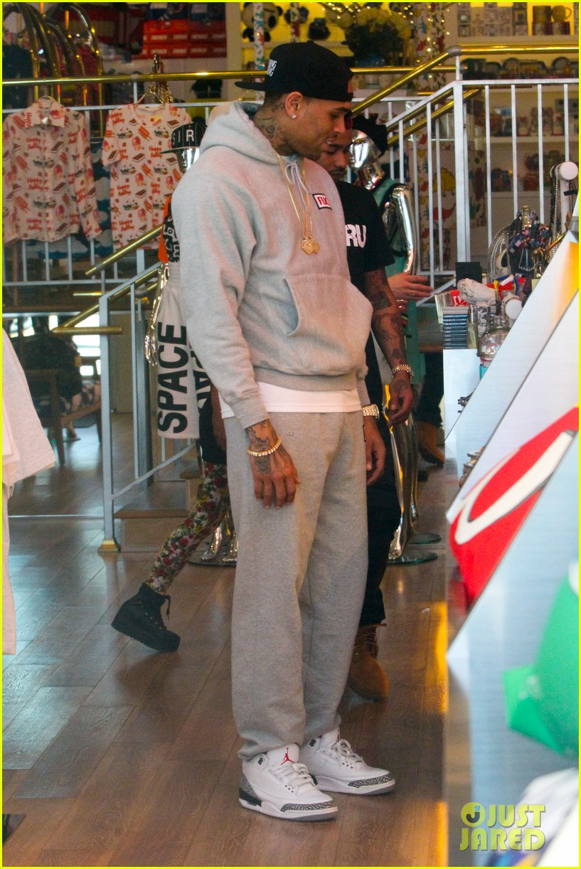 rihanna chris brown wild style shoppers 172847491