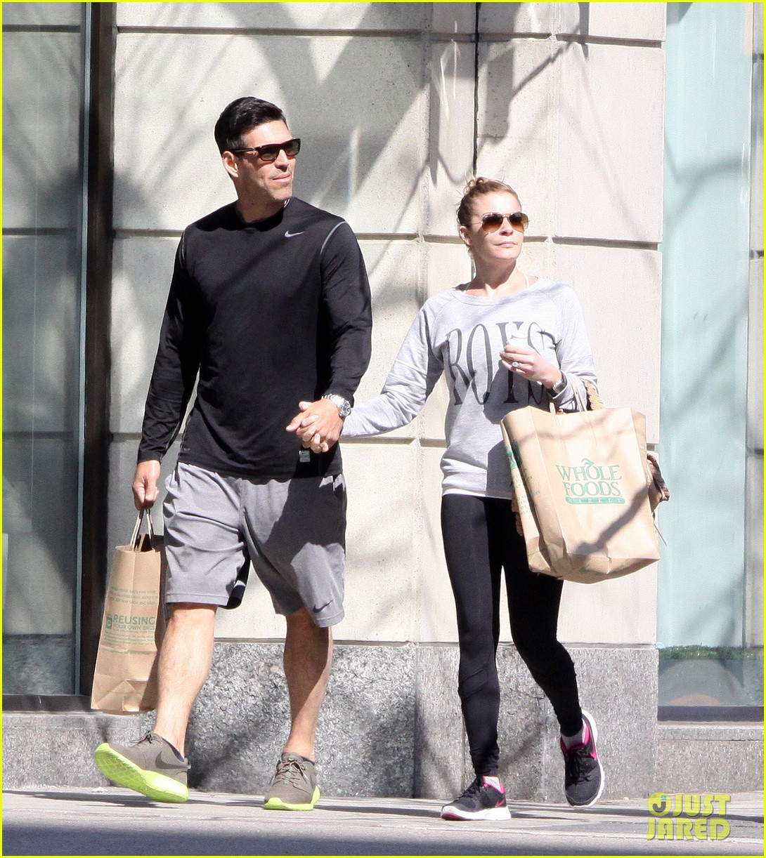 leann rimes eddie cibrian hold hands after shopping 082857975