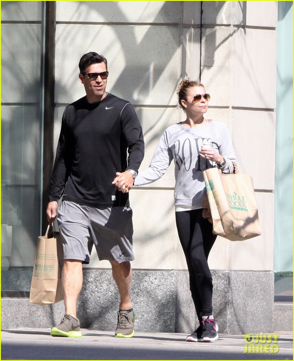 leann rimes eddie cibrian hold hands after shopping 092857976