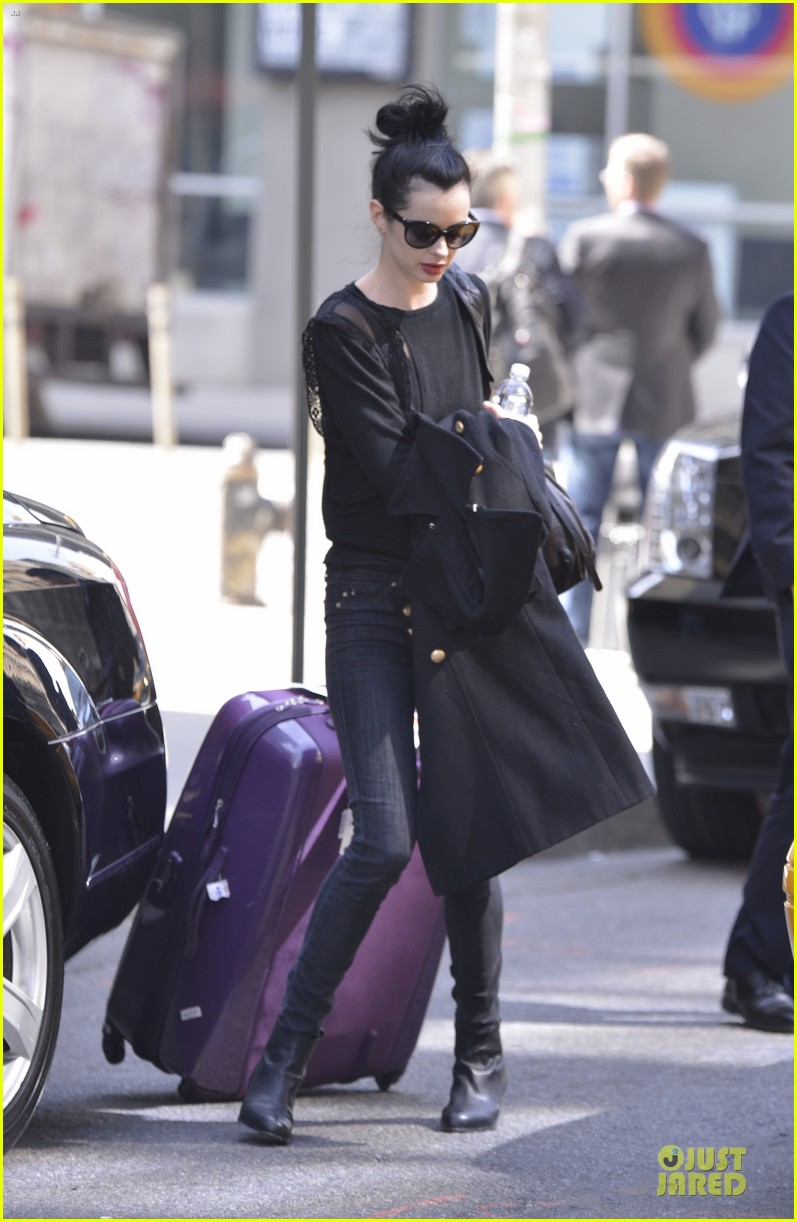 krysten ritter brilliant beautiful incredible gal raves assistance writer 06