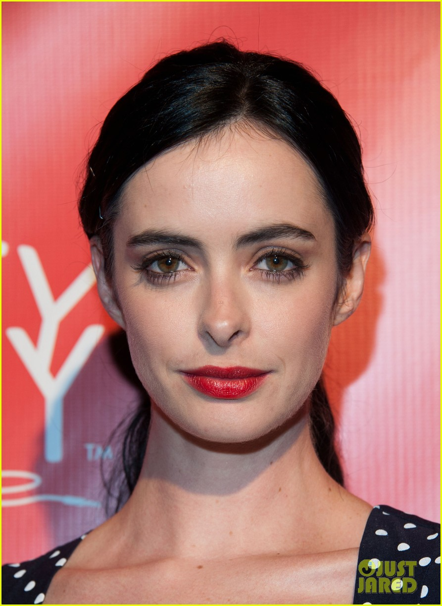 krysten ritter mindy kaling hilarity for charity event 022858554