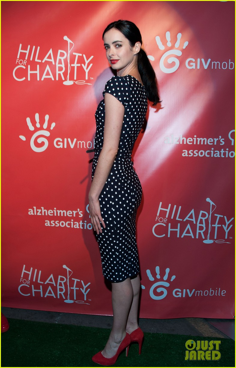 krysten ritter mindy kaling hilarity for charity event 202858572