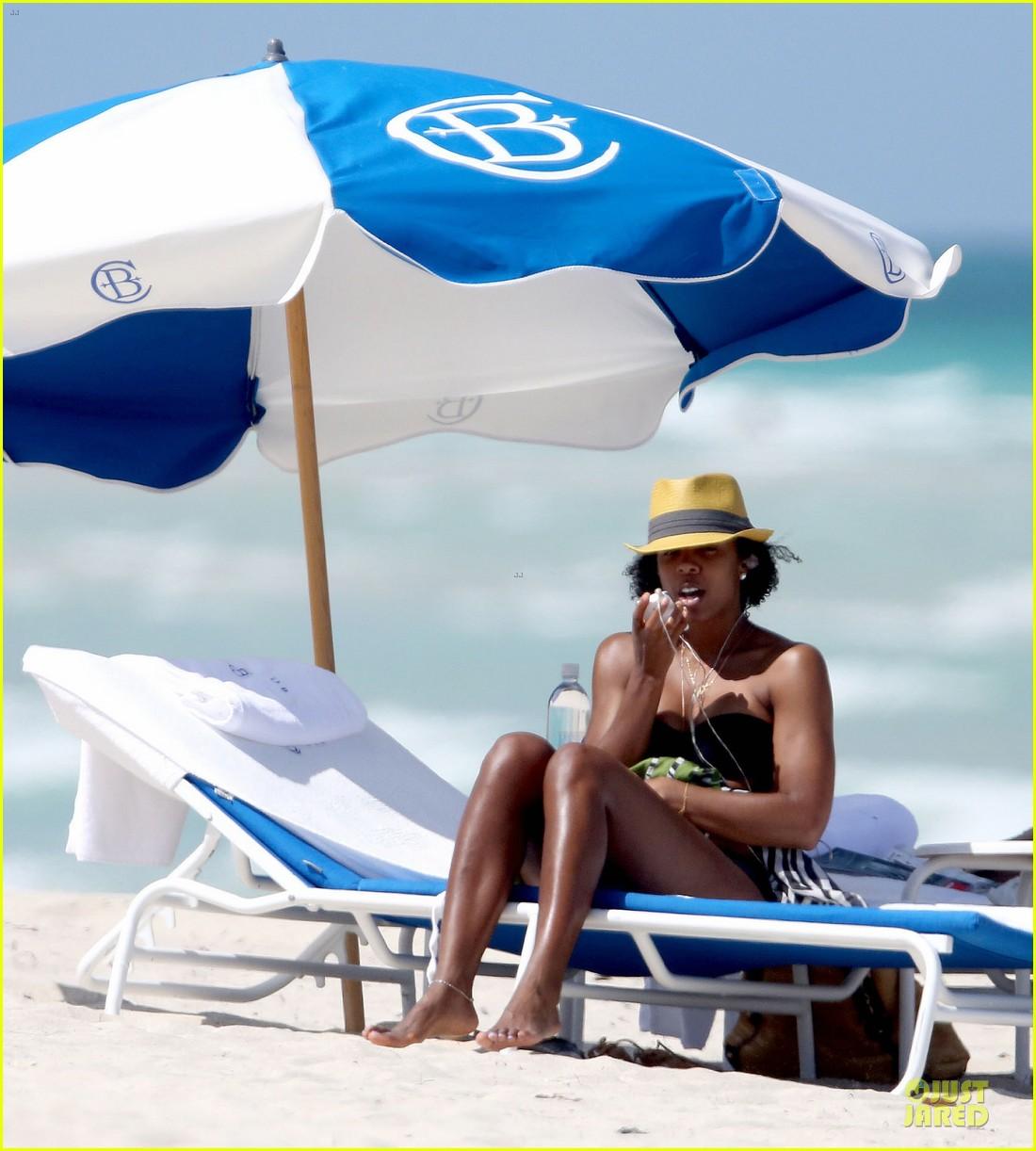kelly rowland bikini beach calling babe 042861077
