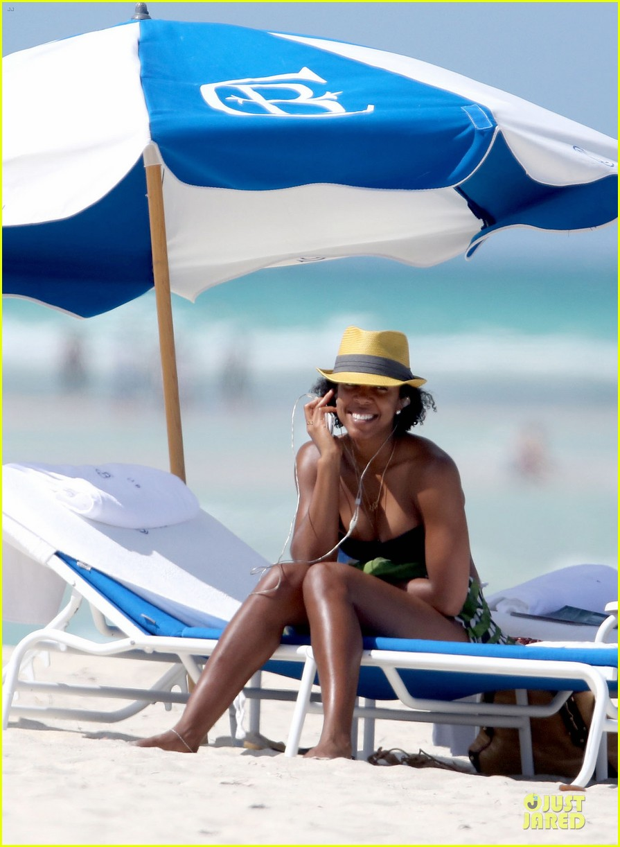 kelly rowland bikini beach calling babe 062861079