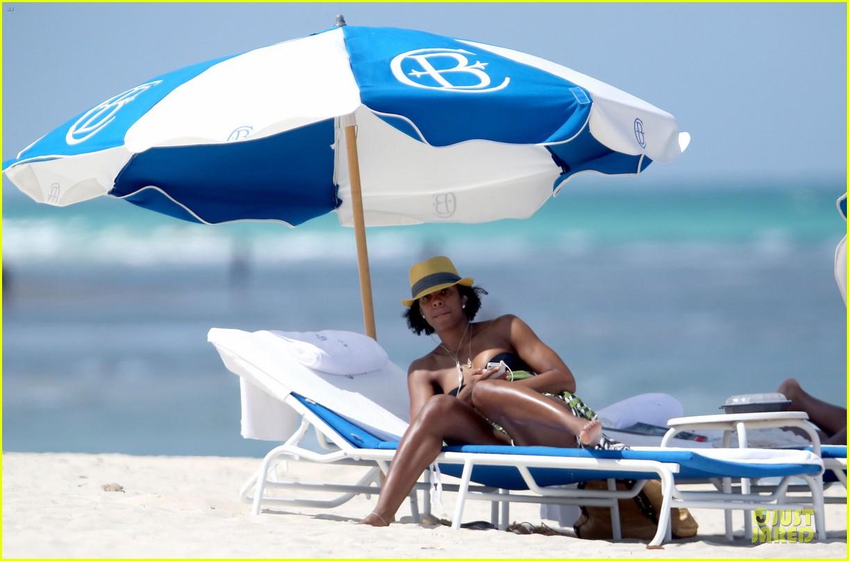 kelly rowland bikini beach calling babe 072861080