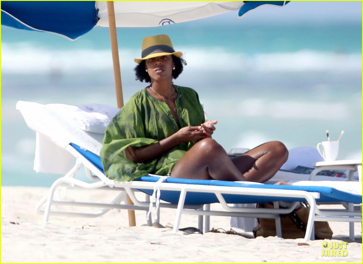 kelly rowland bikini beach calling babe 102861083