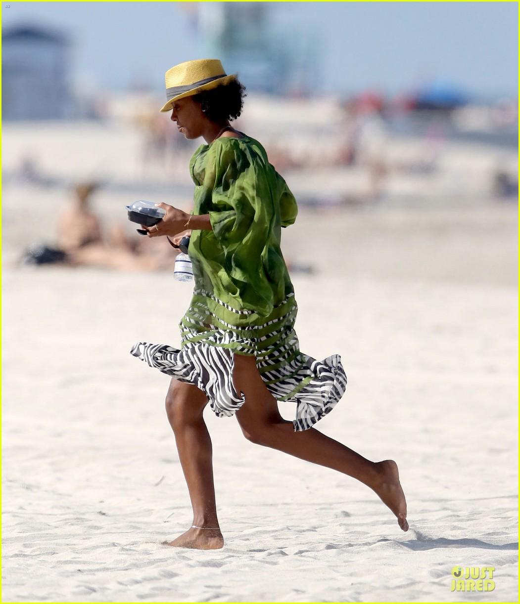 kelly rowland bikini beach calling babe 112861084
