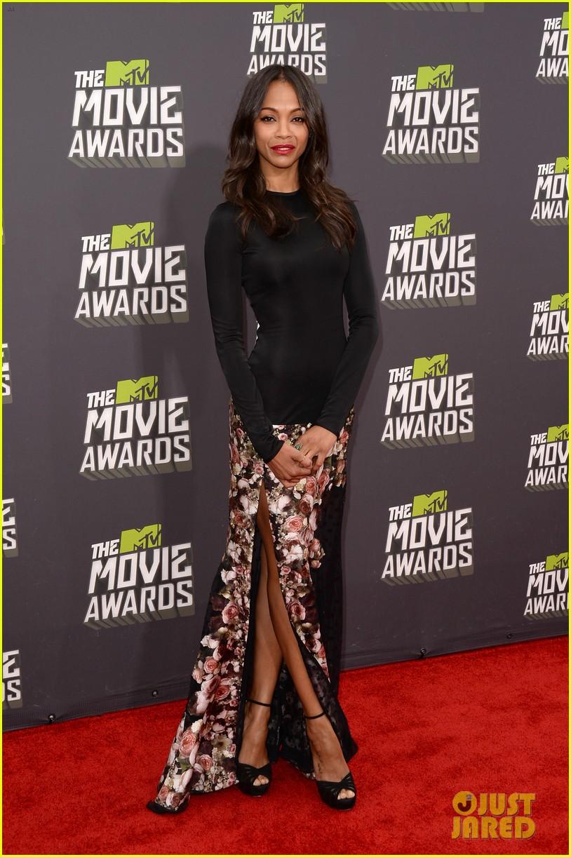 zoe saldana mtv movie awards 2013 red carpet 03