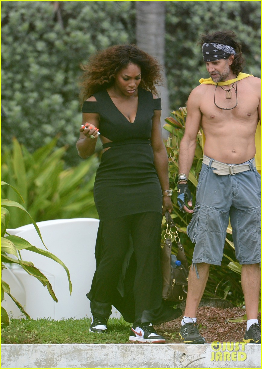 serena williams bikini beach photo shoot 39