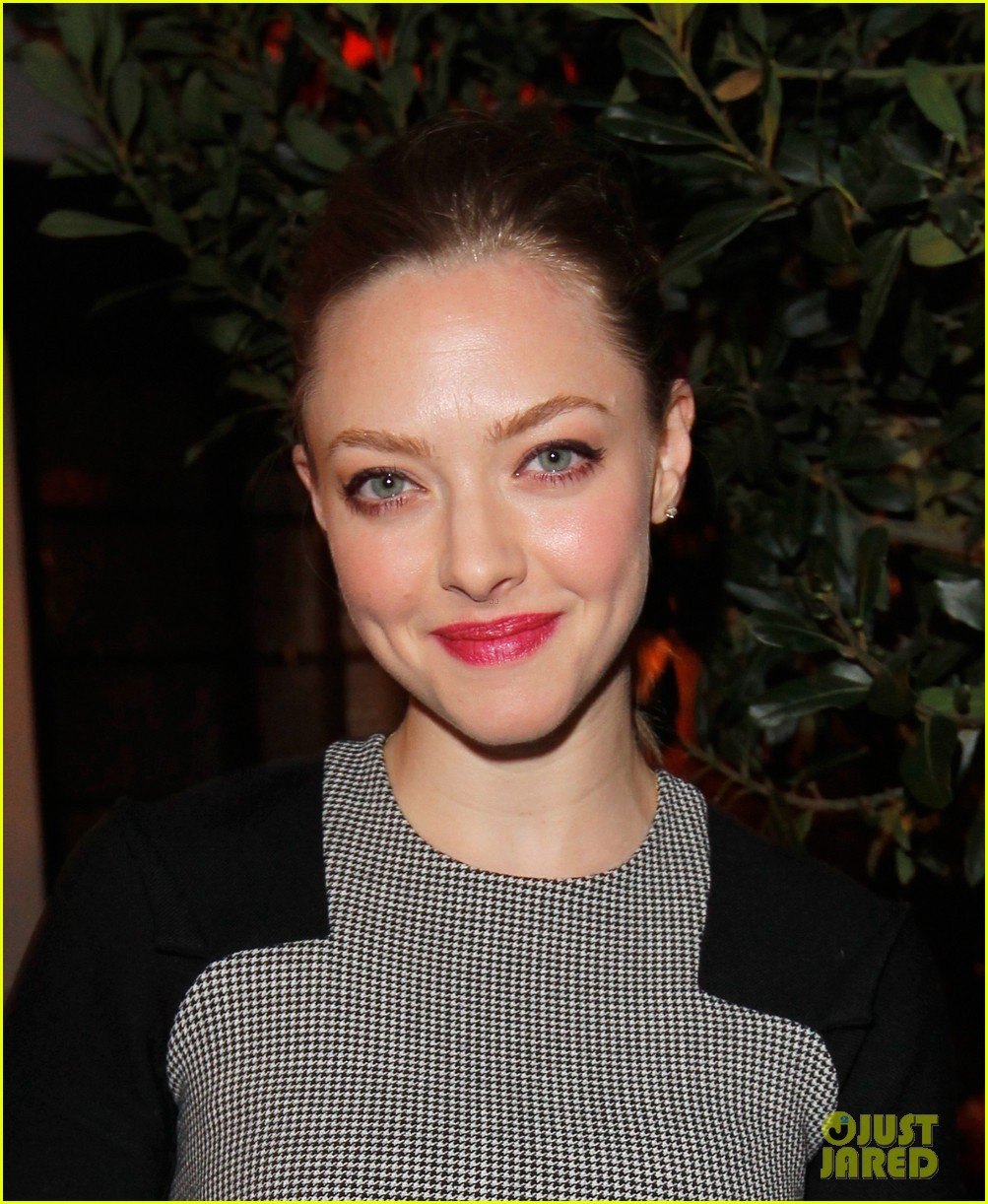 amanda seyfried jennifer morrison allures look better naked event 17