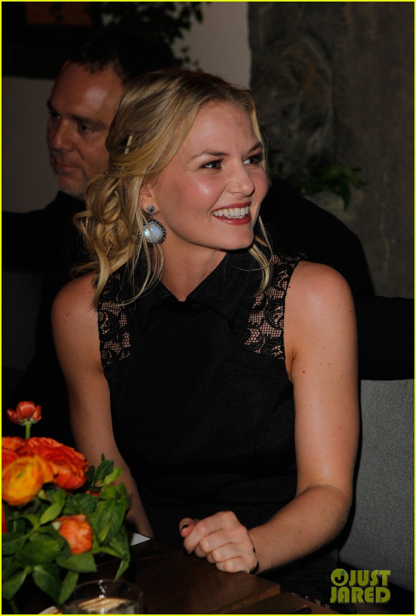 amanda seyfried jennifer morrison allures look better naked event 18