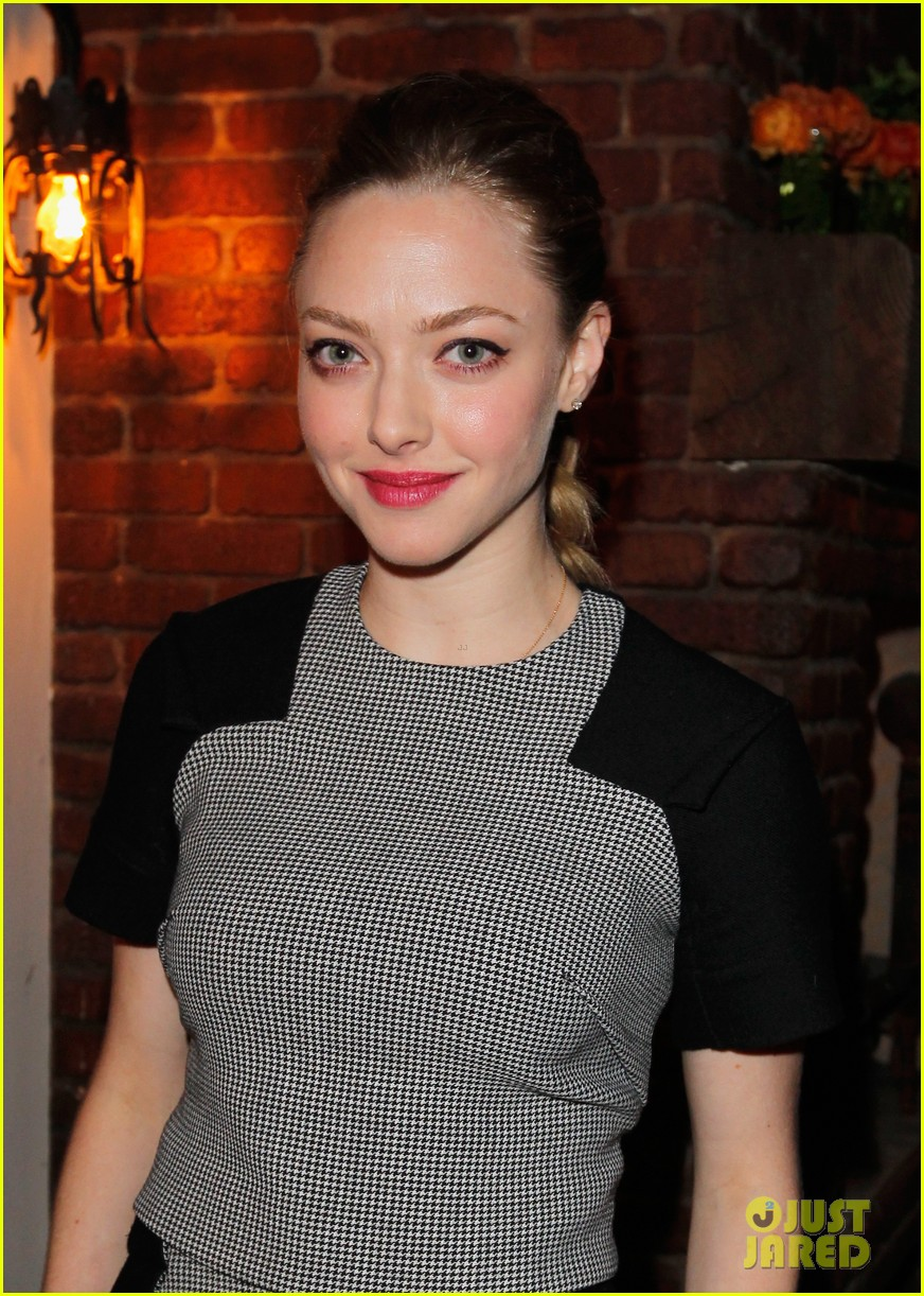 amanda seyfried jennifer morrison allures look better naked event 232848296