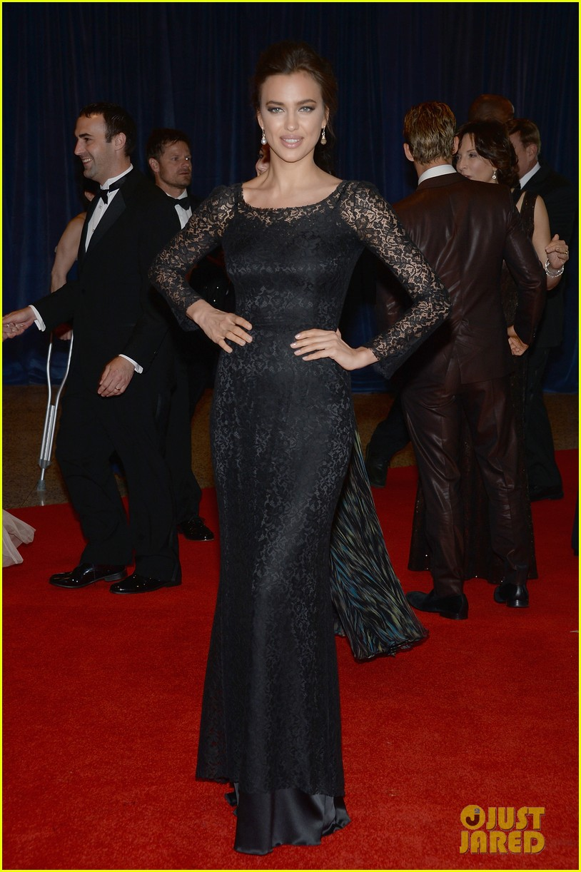 irina shayk white house correspondents dinner 2013 red carpet 032859483