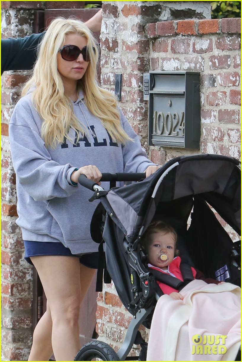 jessica simpson eric johnson eater outing with maxwell 022841219