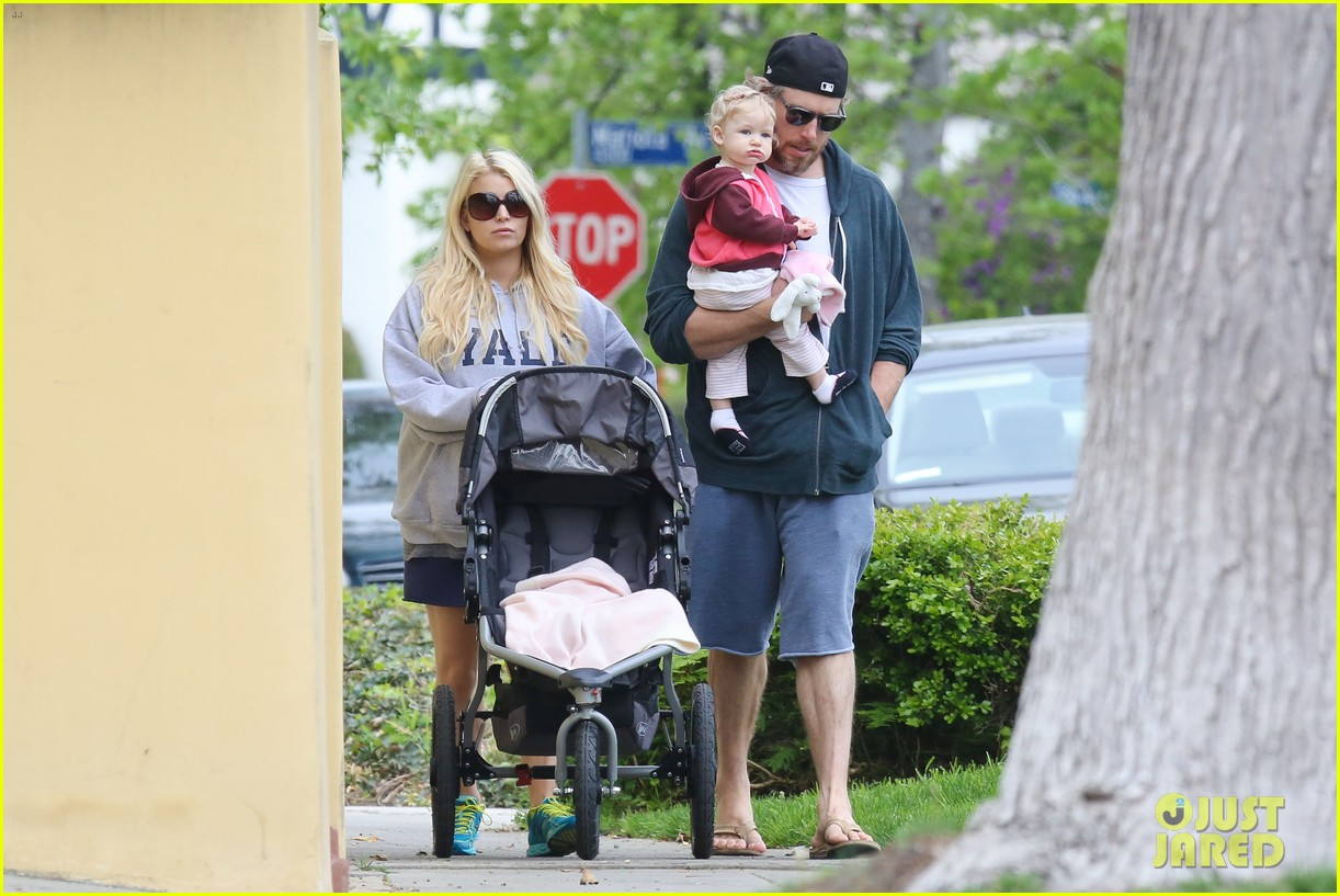 jessica simpson eric johnson eater outing with maxwell 092841226