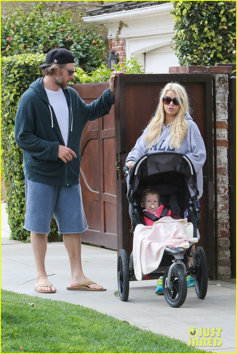 jessica simpson eric johnson eater outing with maxwell 10