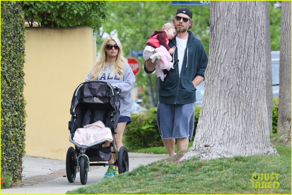 jessica simpson eric johnson eater outing with maxwell 11