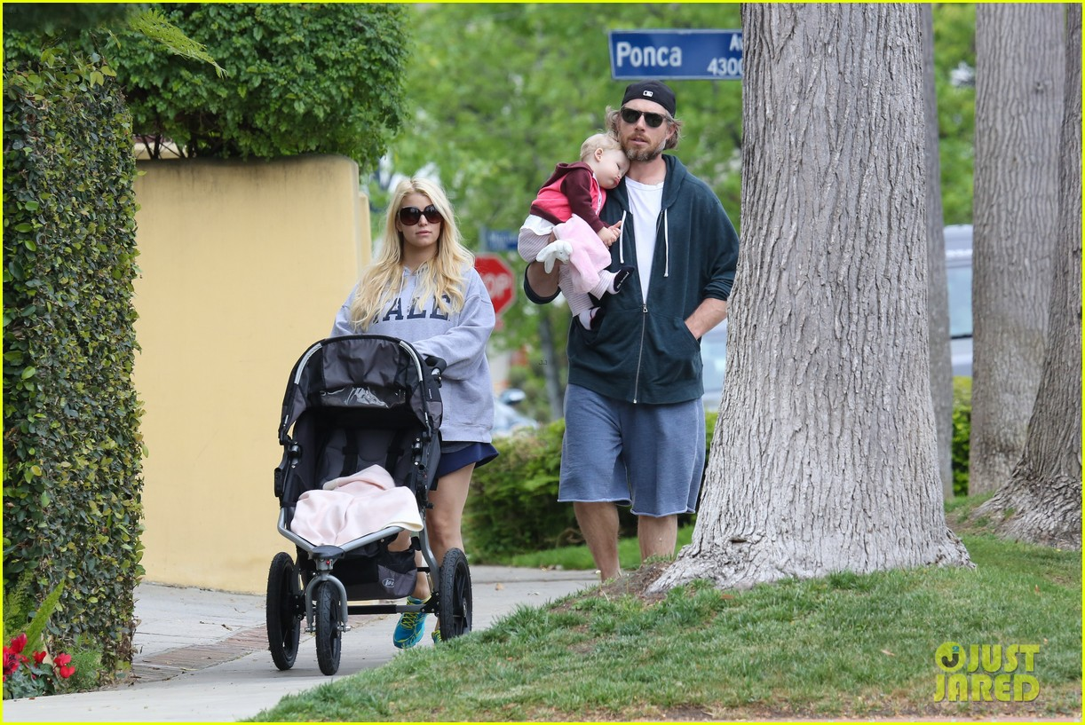 jessica simpson eric johnson eater outing with maxwell 142841231