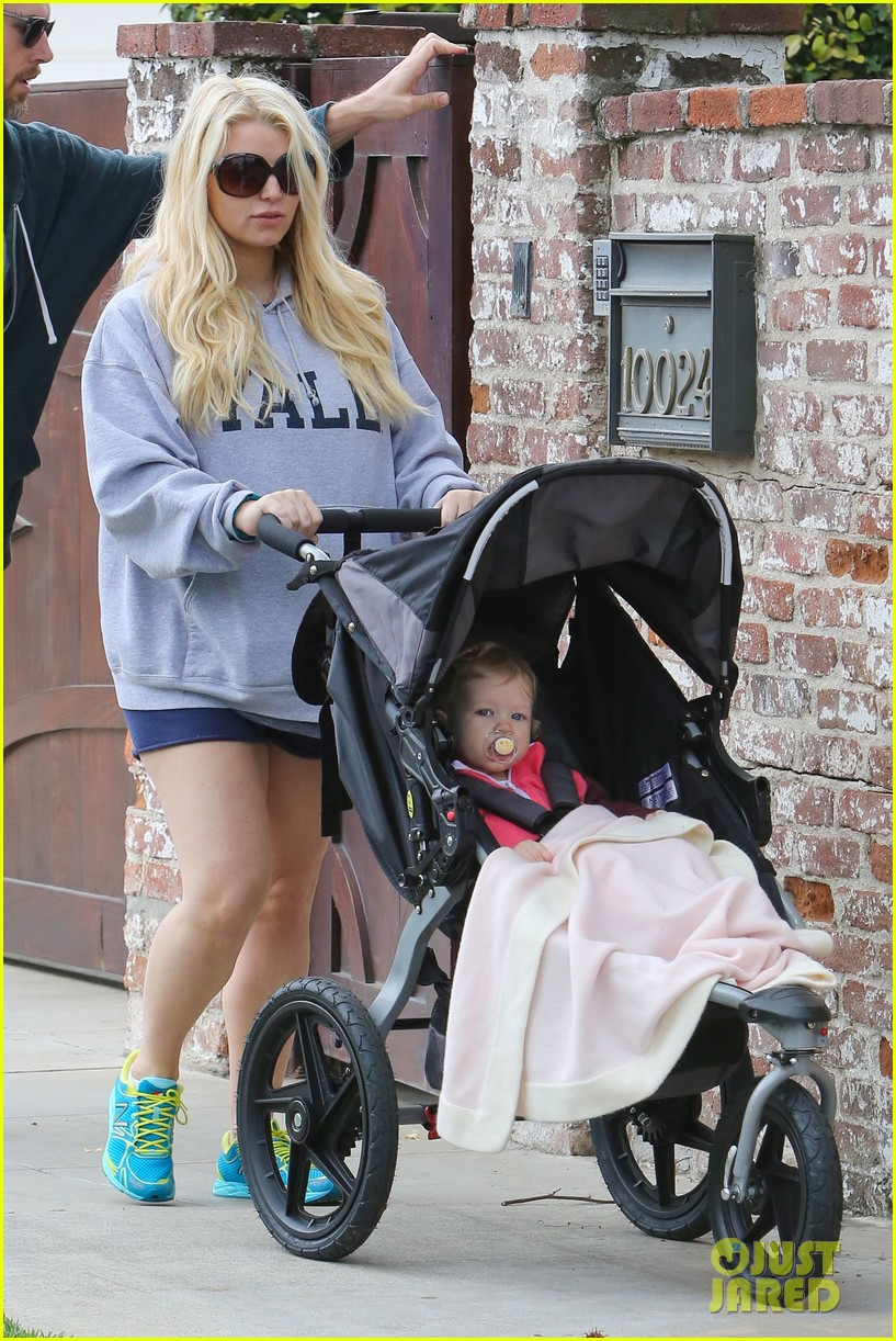 jessica simpson eric johnson eater outing with maxwell 16