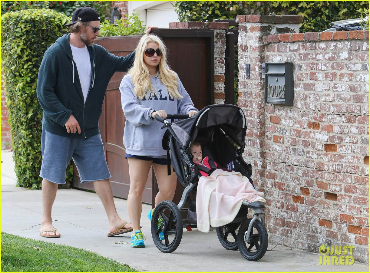 jessica simpson eric johnson eater outing with maxwell 17