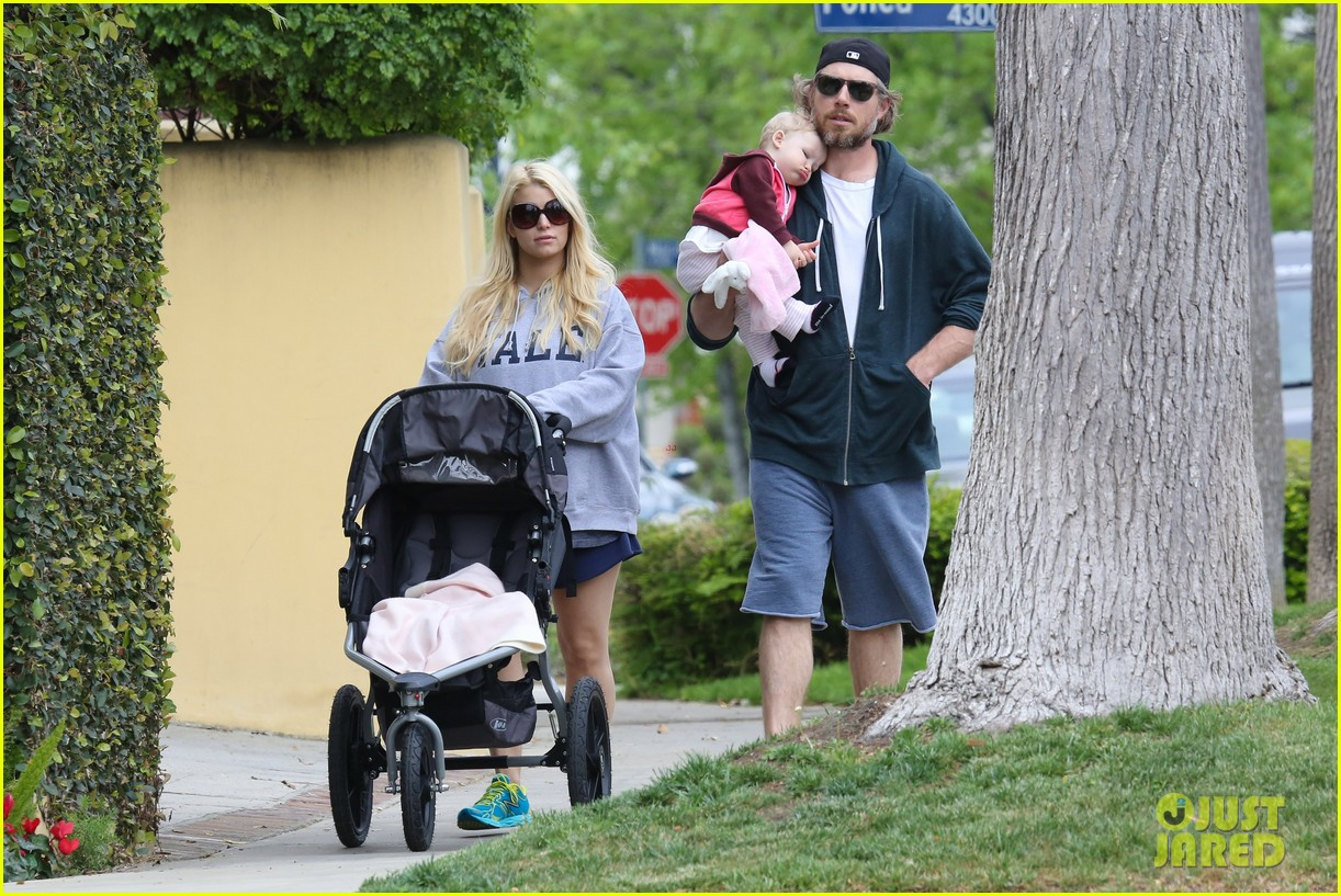 jessica simpson eric johnson eater outing with maxwell 202841237