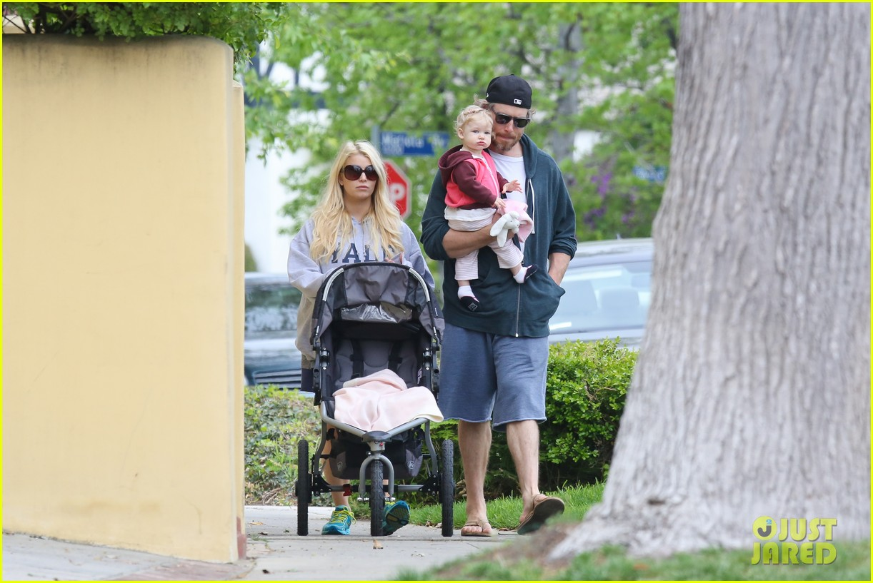jessica simpson eric johnson eater outing with maxwell 222841239