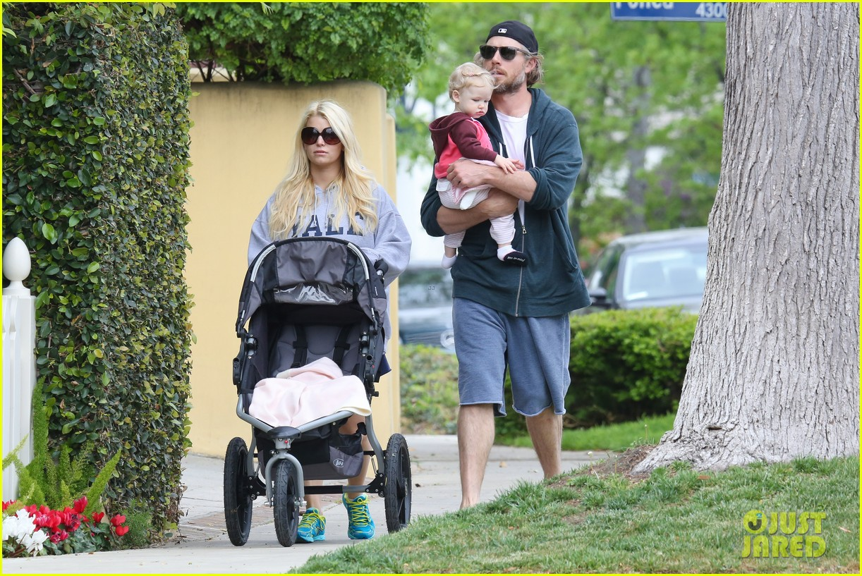 jessica simpson eric johnson eater outing with maxwell 25