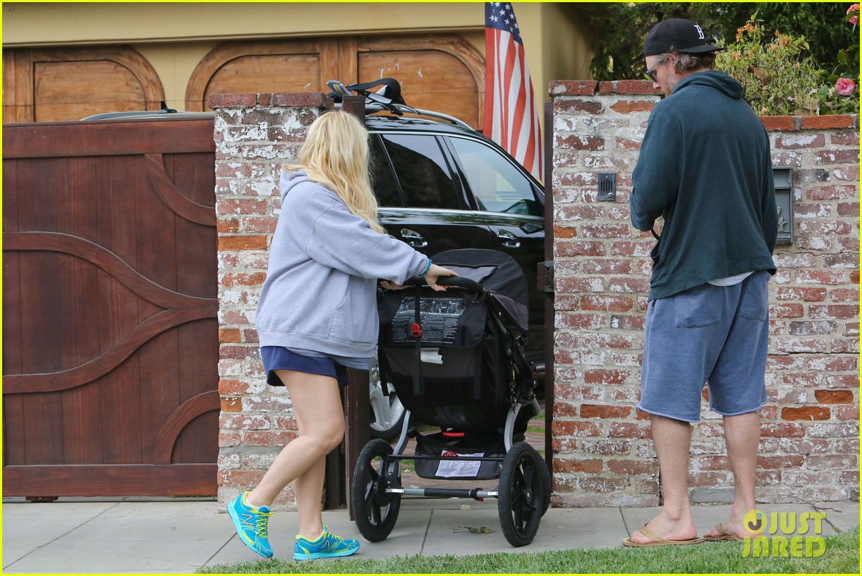 jessica simpson eric johnson eater outing with maxwell 26