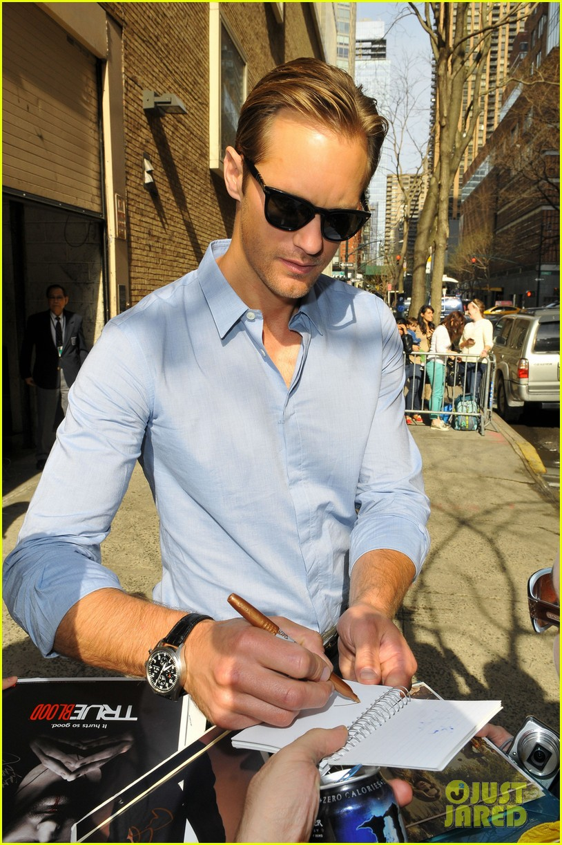 alexander skarsgard autograph smiles in nyc 052846185