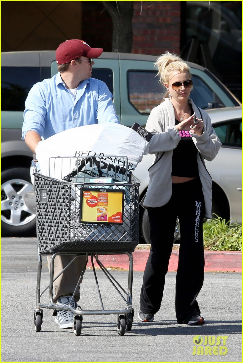 britney spears david lucado breakfast shopping duo 192858073