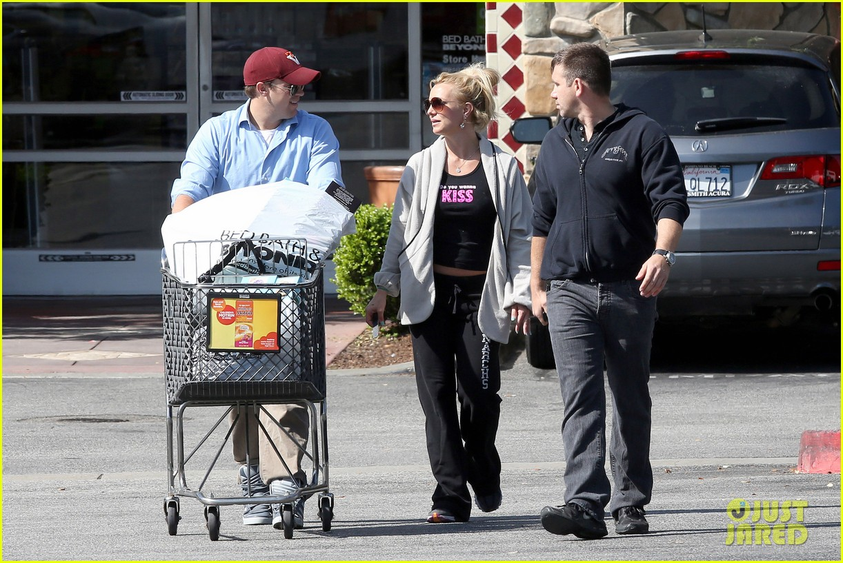 britney spears david lucado breakfast shopping duo 202858074